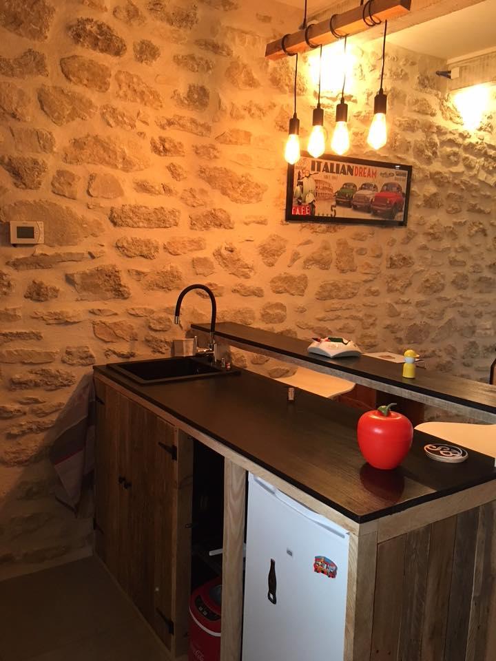 lilou in the wood meubles sur mesure pour cuisines. Black Bedroom Furniture Sets. Home Design Ideas