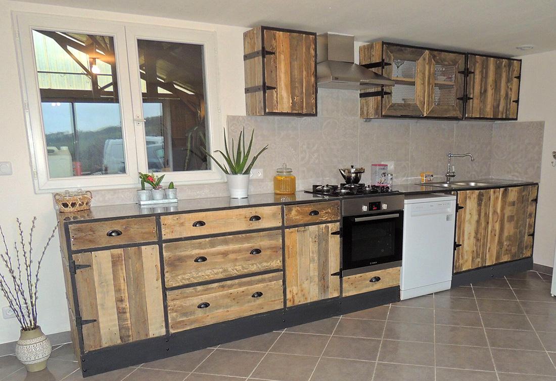 Lilou in the wood meubles sur mesure pour cuisines - Cuisine en palette ...