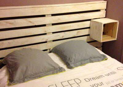 Tête de lit Yoganidra avec chevet intégré