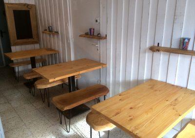 Le Barmout à Hendaye - Tables et bancs - Etagères