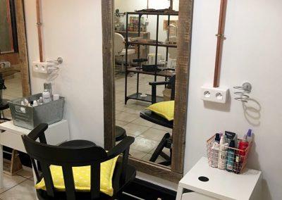 Décoration bois personnalisée pour professionnels commerces - Remix Coiffure St Jean de luz