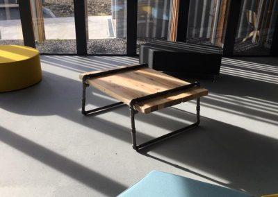 Halle Créative de Saint Jean de Luz - Table basse bois/tuyauterie