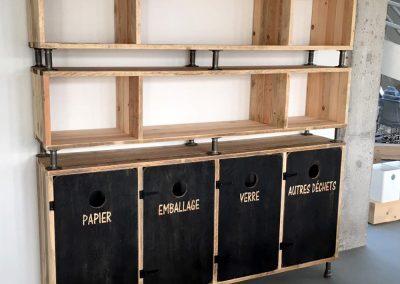 Halle Créative de Saint Jean de Luz - Combiné meuble de rangement et tri-selectif en bois/tuyauterie et OSB eco-label