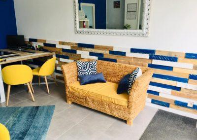 Habillage de mur en bois sur mesure pour professionnels commerce magasin - Foch immobilier Bayonne 03