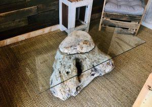 Lilou in the Wood - Création bois Atelier Showroom - Table basse souche bois flotté et verre